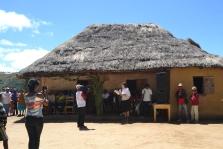 Martina hält ihre Rede auf Madagassisch